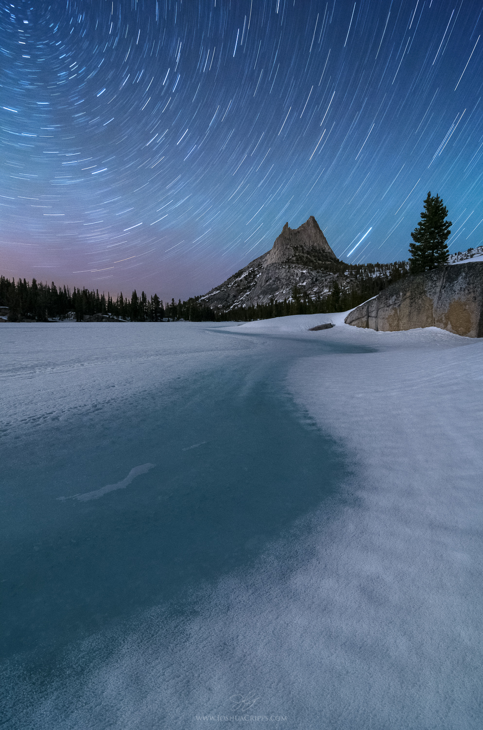 cathedral-peak-yosemite-snow-star-trails