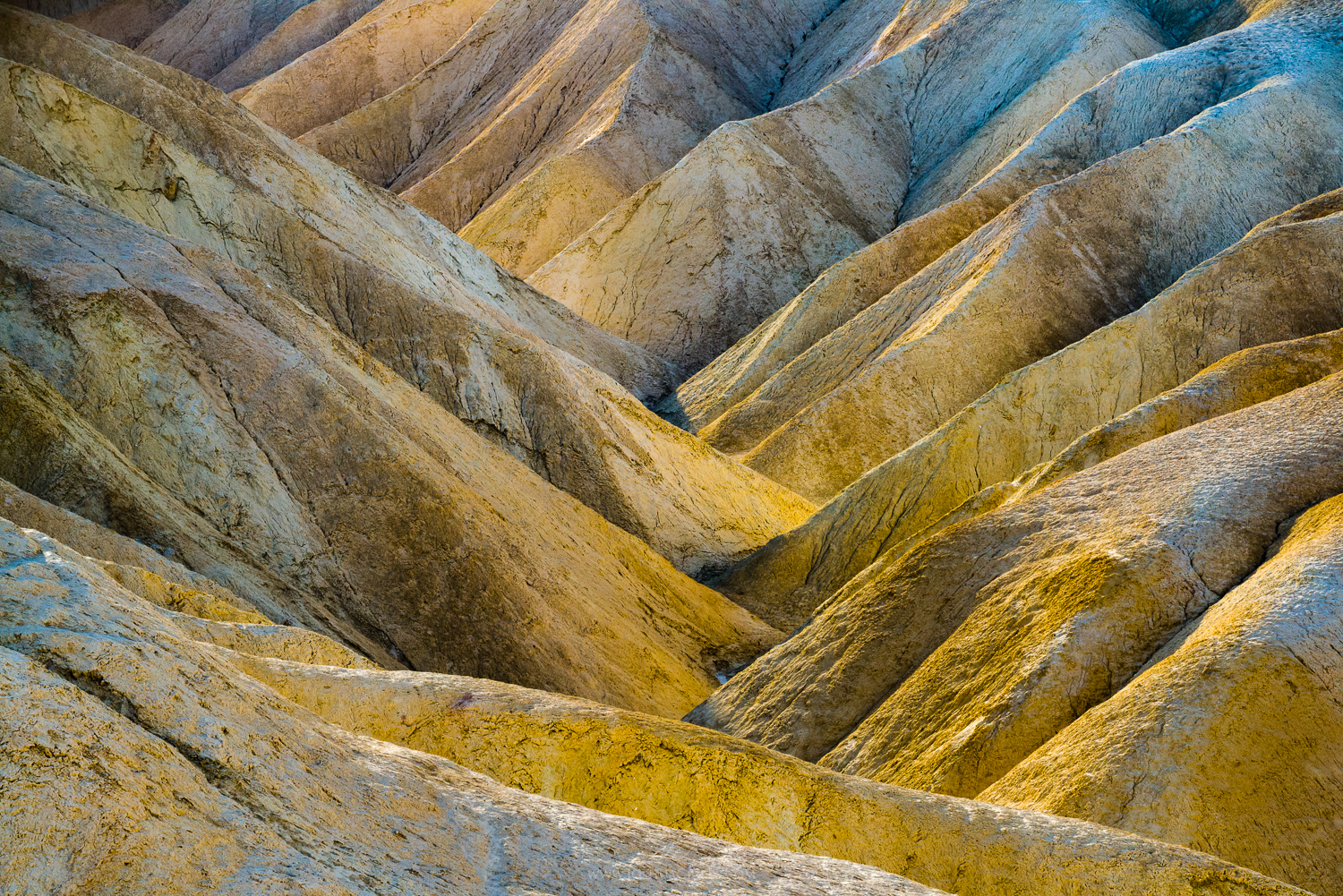 zabriskie-point-badlands-death-valley