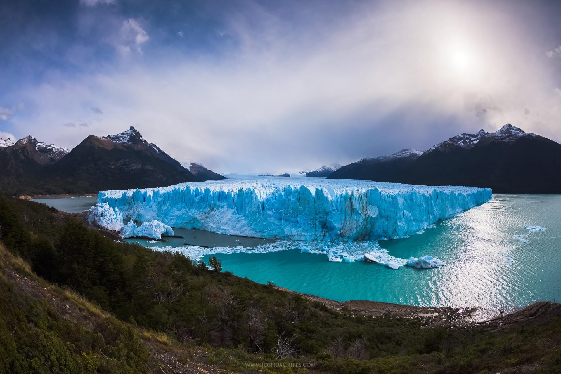 Perito-Moreno-Glacier-Argentina-Los-Glaciares