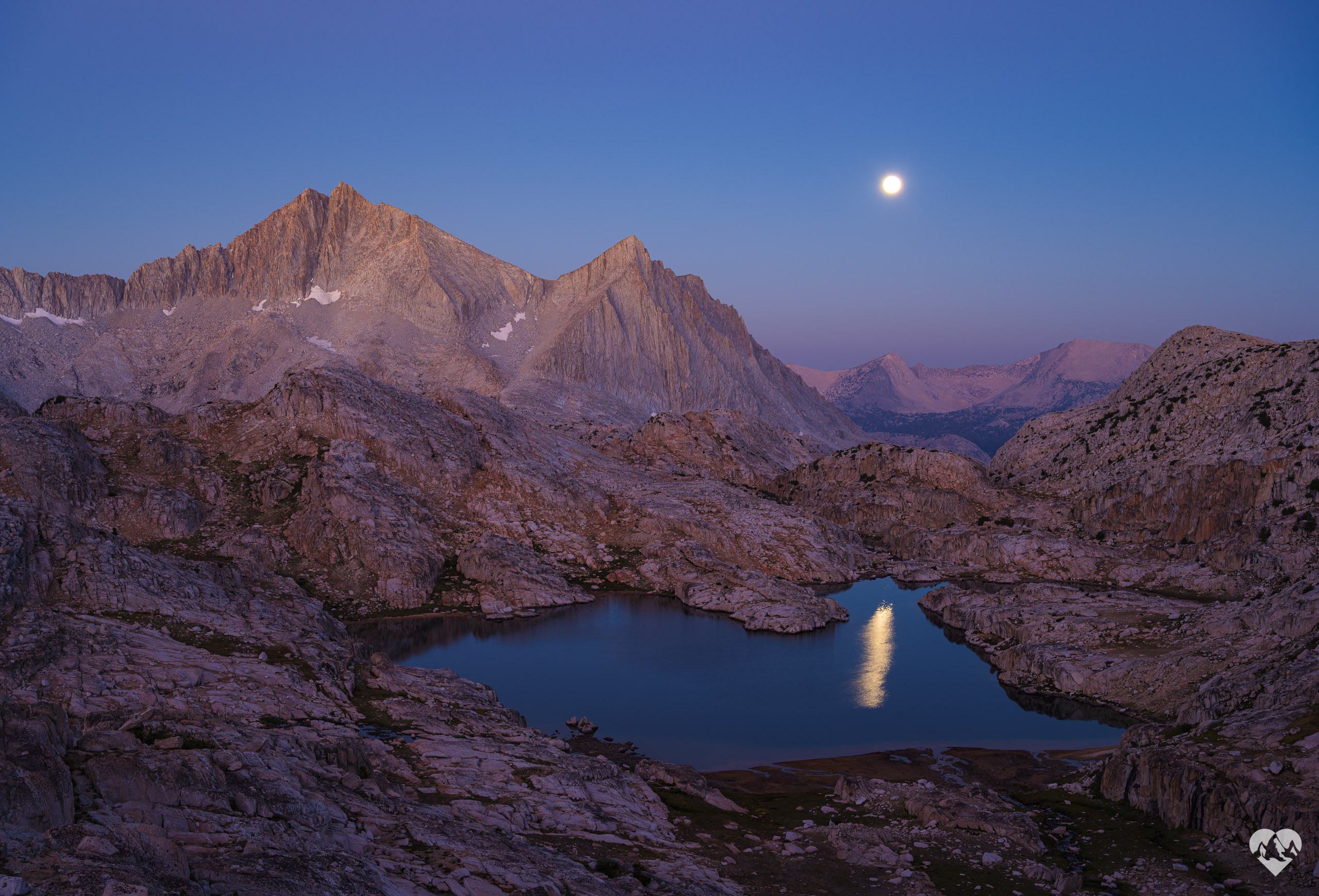 seven-gables-bear-lakes-basin-sierra-california-full-moon